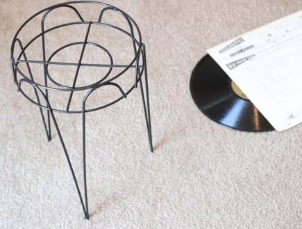 שולחנות קפה עשה זאת בעצמך, שולחן תקליט (צילום: theflourishingabode)