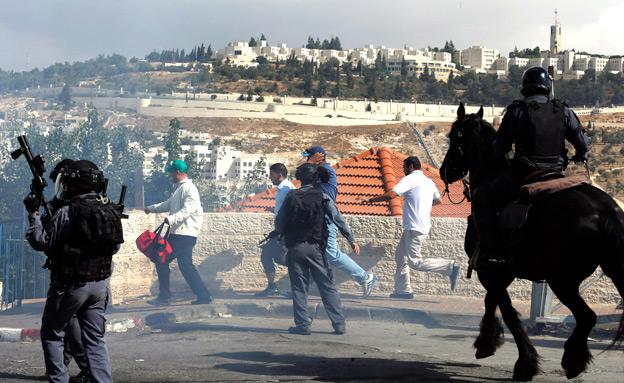 אחרי הפיגוע: כוננות מוגברת בי-ם (צילום: רויטרס)