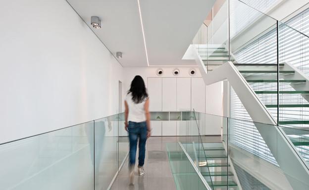 מיקי טרבס, מדרגות חדש (צילום: עודד סמדר)