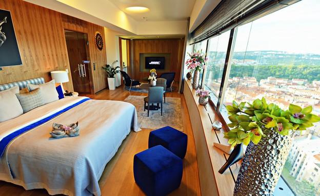 הסוויטה במגדל הטלוויזיה בפראג (צילום: www.oneroomhotel.cz, האתר הרשמי)