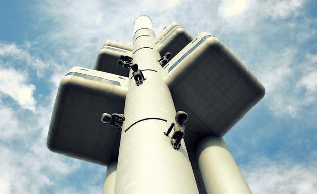 מגדל הטלוויזיה ז'יז'קוב  (צילום: www.towerpark.cz, האתר הרשמי)