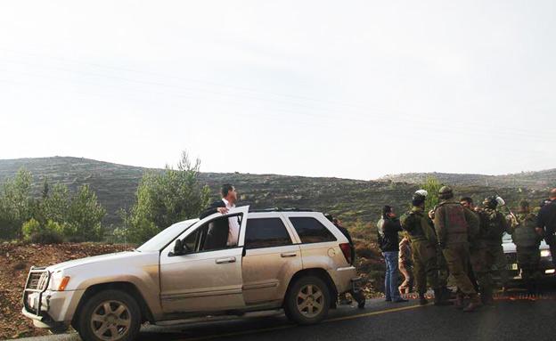"""שיירת רה""""מ הפלסטיני, הבוקר (צילום: סוכנות תצפית)"""