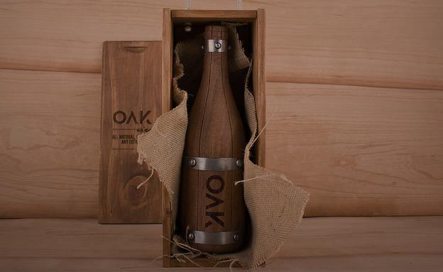 קונספטים, בקבוק יין עץ אלון (צילום: grantipo)