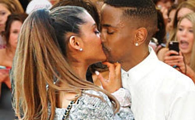 אריאנה גרנדה וביג שון מתנשקים (צילום: צילום מסך Youtube)