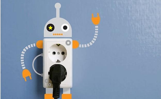 עיצוב גיקי, מדבקות לשקע ולמתג חשמלי, 40 שקל, להשיג (צילום: etsy)