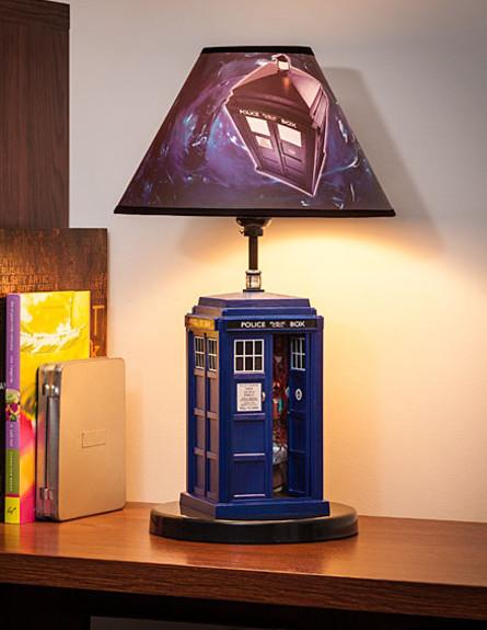 עיצוב גיקי, מנורת דוקטור הו, 232 שקל, להשיג אמאזון (צילום: אמאזון)