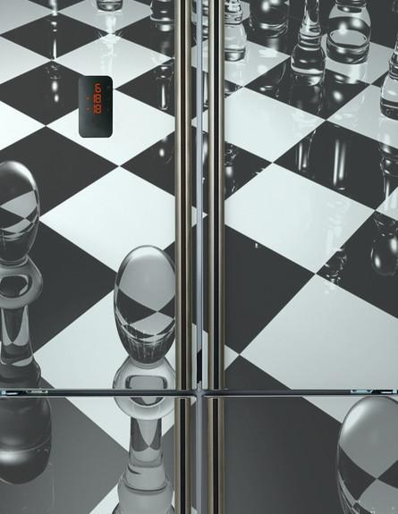 עיצוב גיקי, מקרר בהדפס שחמט, 9,800 שקל, להשיג Teka