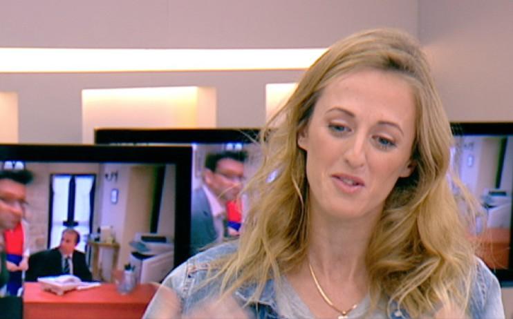 דנה סמו מדברת על התפקיד בפולישוק (תמונת AVI: מתוך הבוקר של קשת, שידורי קשת)