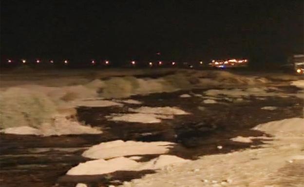 הדליפה מצינור הנפט בערבה (צילום: חדשות 2)