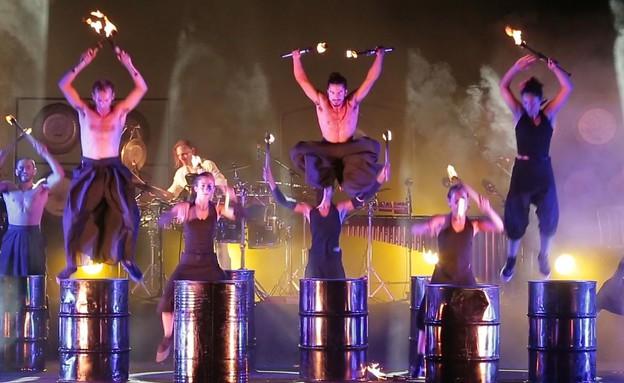פסטיבל אור ואש בחמת גדר פירומניה - מופע (צילום: זהר מרקמן)