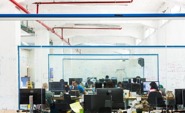 מיה מוסיוב וטלי מנשס, משרדי Workplace (צילום: ראובן שאול)