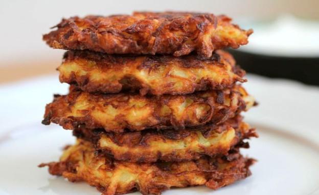 """לביבות קולרבי ותפוחי אדמה (צילום: עידית נרקיס כ""""ץ, אוכל טוב)"""