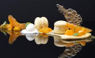 מסעדת לה ריב באמסטרדם (יח``צ: http://www.restaurantlarive.nl/, האתר הרשמי)