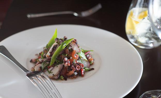מסעדת נורמן - סלט תמנון  (צילום: נמרוד סונדרס, אוכל טוב)