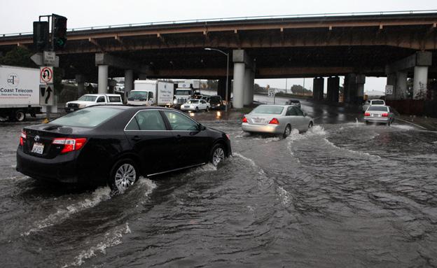 הסופה גרמה גם לנזקים רבים (צילום: AP)
