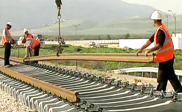 צפו: הצצה ראשונה למסילת רכבת העמק (צילום: חדשות 2)