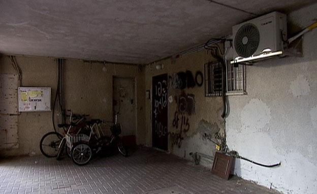 החלשים נזרקים לרחוב – ודירות עומדות ריקות (צילום: חדשות 2)