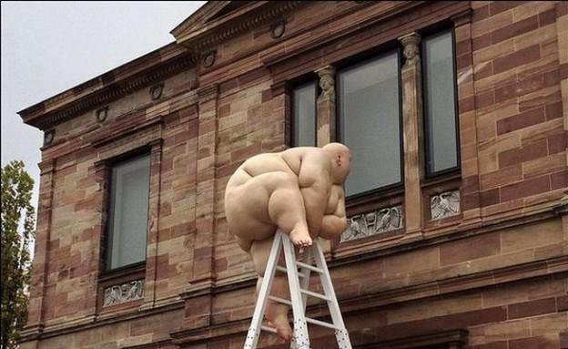 פסלים מציאותיים (צילום: מו בויאן)