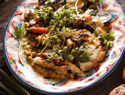 תבשיל לוקוס חריף בעגבניות ופלפלים (צילום: אפיק גבאי, לאפות, לבשל, לאהוב)