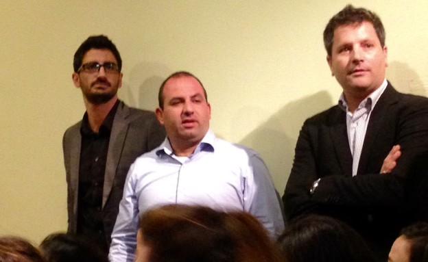 צוות התקשורת של כחלון: נדב שינברגר, רונן משה ועמרי הרוש (צילום: טל שניידר, הפלוג)
