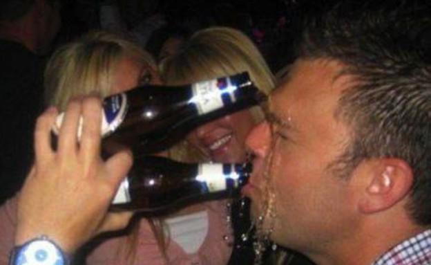 שיכורים במסיבה (צילום: elitedaily.com / buzzfeed.com)