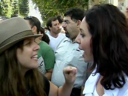 מהומה במאהל המחאה החברתית, 2011 (צילום: חדשות 2)
