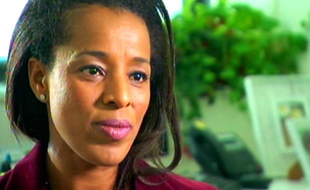 """""""השגרירה"""" לשעבר כתבה ספר ילדים על סיפור חייה (צילום: חדשות 2)"""
