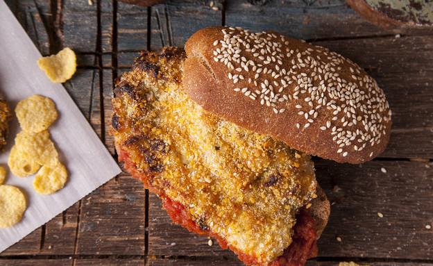 חזה עוף בציפוי קורנפלקס, חרדל ודבש (צילום: אפיק גבאי, לאפות, לבשל, לאהוב)