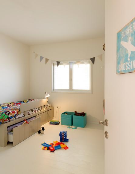 דלית לילינטל, חדר ילדים (2)