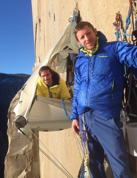 מטפסי הרים שניים (צילום: facebook Tommy-Caldwell)