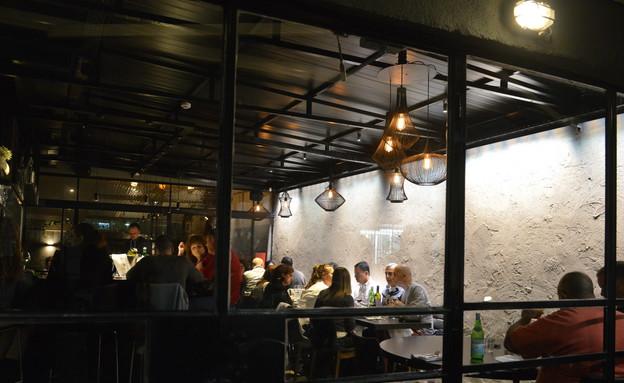 אואזיס, המסעדה (צילום: תמר מצפי)