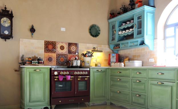 צביעת מטבחים, מטבח טורקיז, צילום מיכל יניב (צילום: מיכל יניב)