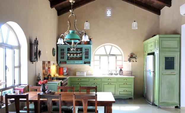 צביעת מטבחים, מטבח טורקיז, צילום מיכל יניב (2) (צילום: מיכל יניב)