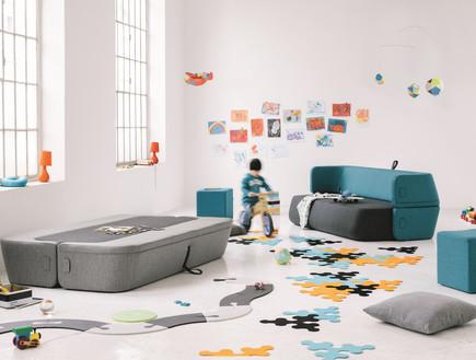 רב תכליתי, ,טולמנ'ס, ספה שהיא גם מיטה ומשטח משחקים, 13980 שקלים. (צילום: יחצ טולמנס)