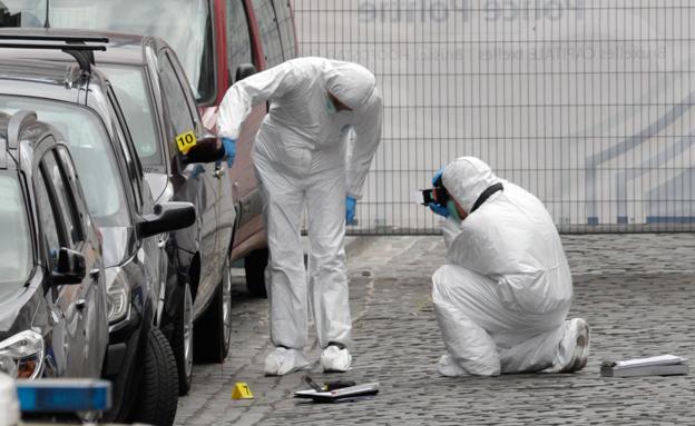 זירת הפיגוע במוזיאון היהודי בבריסל (צילום: AP)