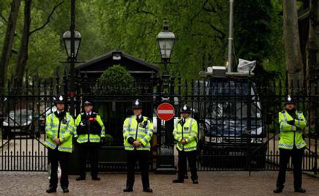 אנשי משטרה בבריטניה, ארכיון (צילום: AP)
