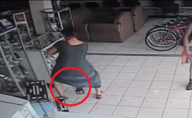 גונבת טלוויזיה (צילום: יוטיוב)
