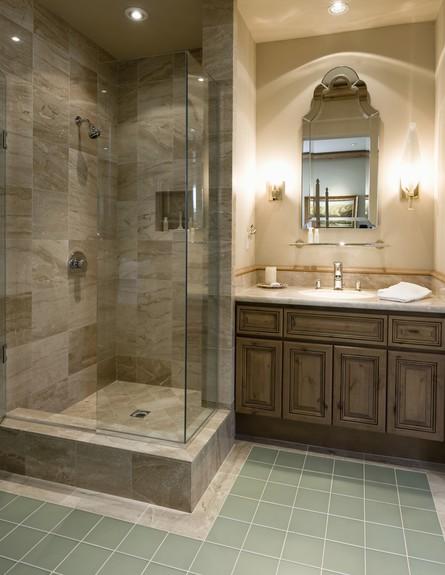 טעויות עיצוב, חדר שינה, טעות מספר 6 חדר רחצה מלבני (צילום: moodboard, Thinkstock)
