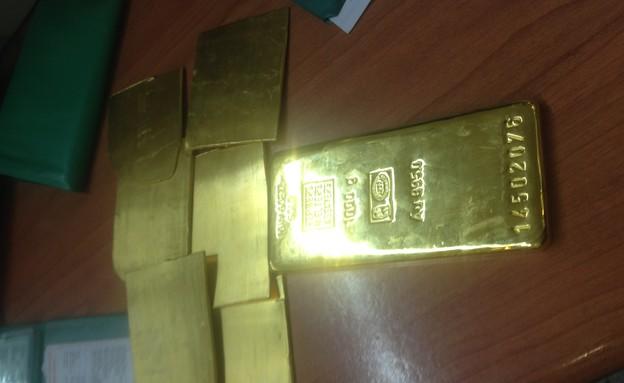 מטילי זהב שנתפסו במכס (צילום: מכס אלנבי)