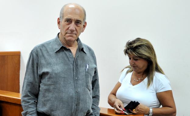 עם אולמרט באחד הדיונים בבית המשפט (צילום: פלאש 90, עומר מירון)