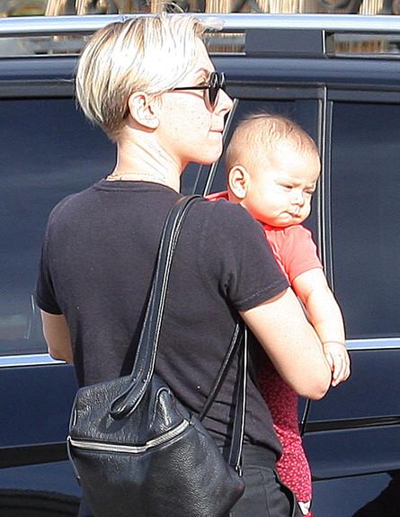 מי הכוכבת שהתינוקת שלה נחשפה לראשונה? (צילום: Splashnews, splash news)