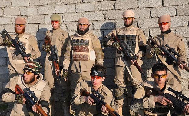 יחידת הצלפים של דאעש (צילום: dailymail.co.uk)