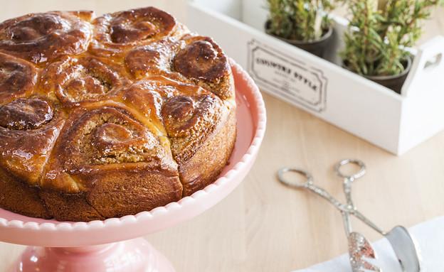עוגת שושנים עם קרם אגוזים וקפה  (צילום: אסף אמברם, אוכל טוב)