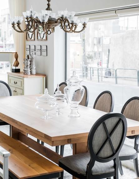 חנויות עיצוב חדשות, שולחן פינת אוכל מעץ מלא,מחיר החל מ-19000 (צילום: גלעד רדט)