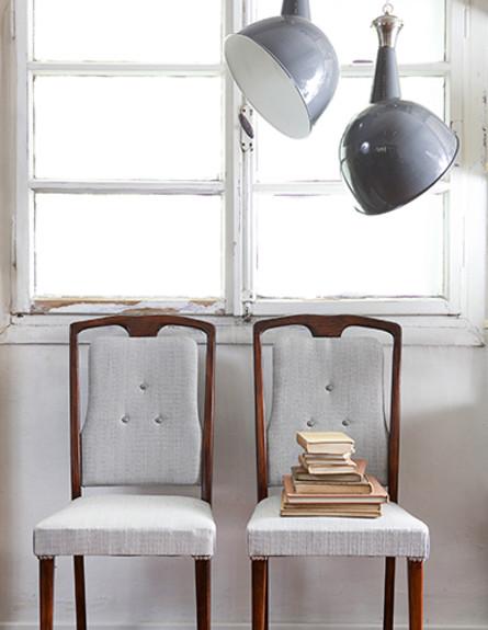 חנויות עיצוב חדשות כסאות משוחזרים משנות ה-50, מחיר-1800 שח (צילום: שירן כרמל, סטיילינג אורית עציון)