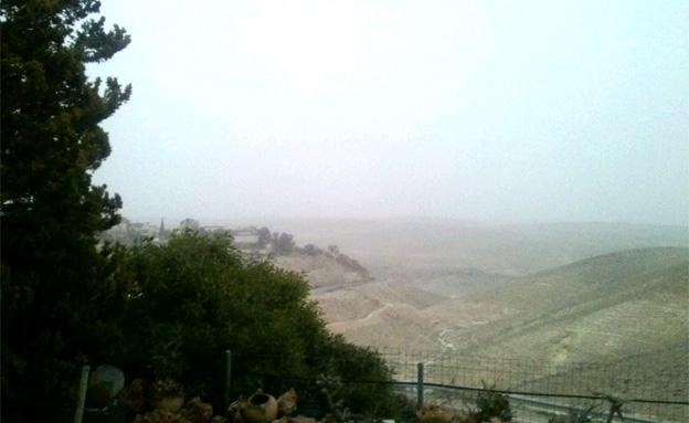 ענני החול לא פסחו על ערד (צילום: שרון לביא)