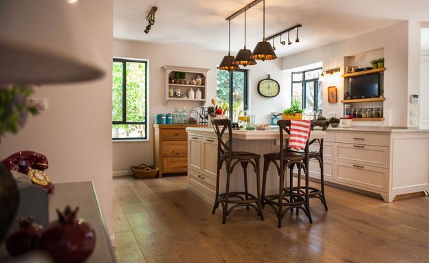 דנה שבדרון, מבט למטבח (צילום: גלעד רדט)