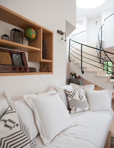 דנה שבדרון, ספה גובה (צילום: גלעד רדט)