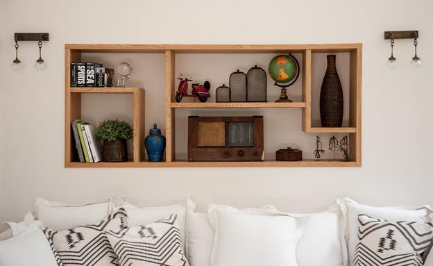 דנה שבדרון, ספה וכוננית (צילום: גלעד רדט)