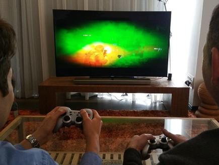 ניס הכינו ג'ויסטיק: סמסונג מביאה משחקים לטלוויזיות QS-14